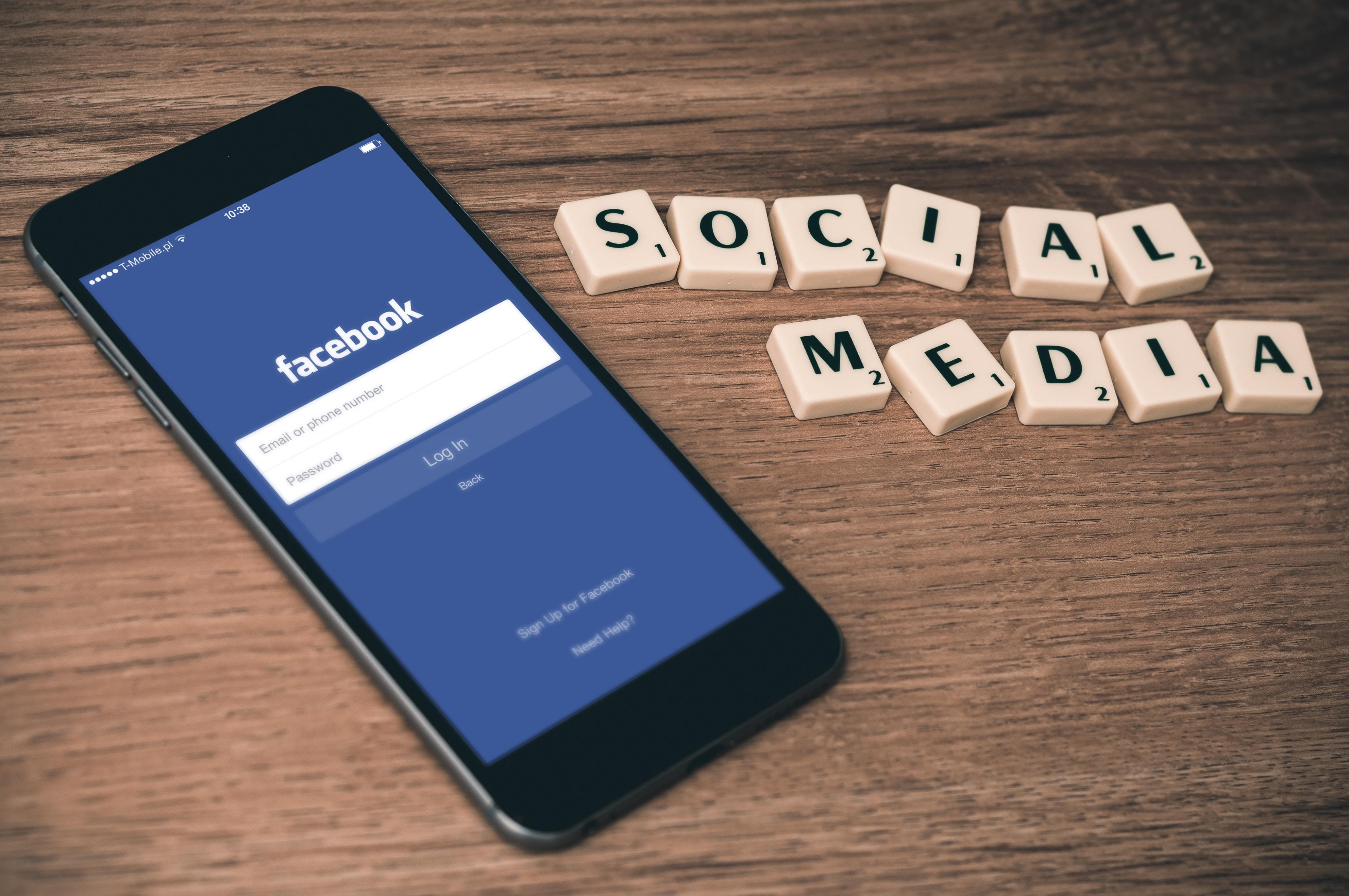 Ce știe Facebook despre tine